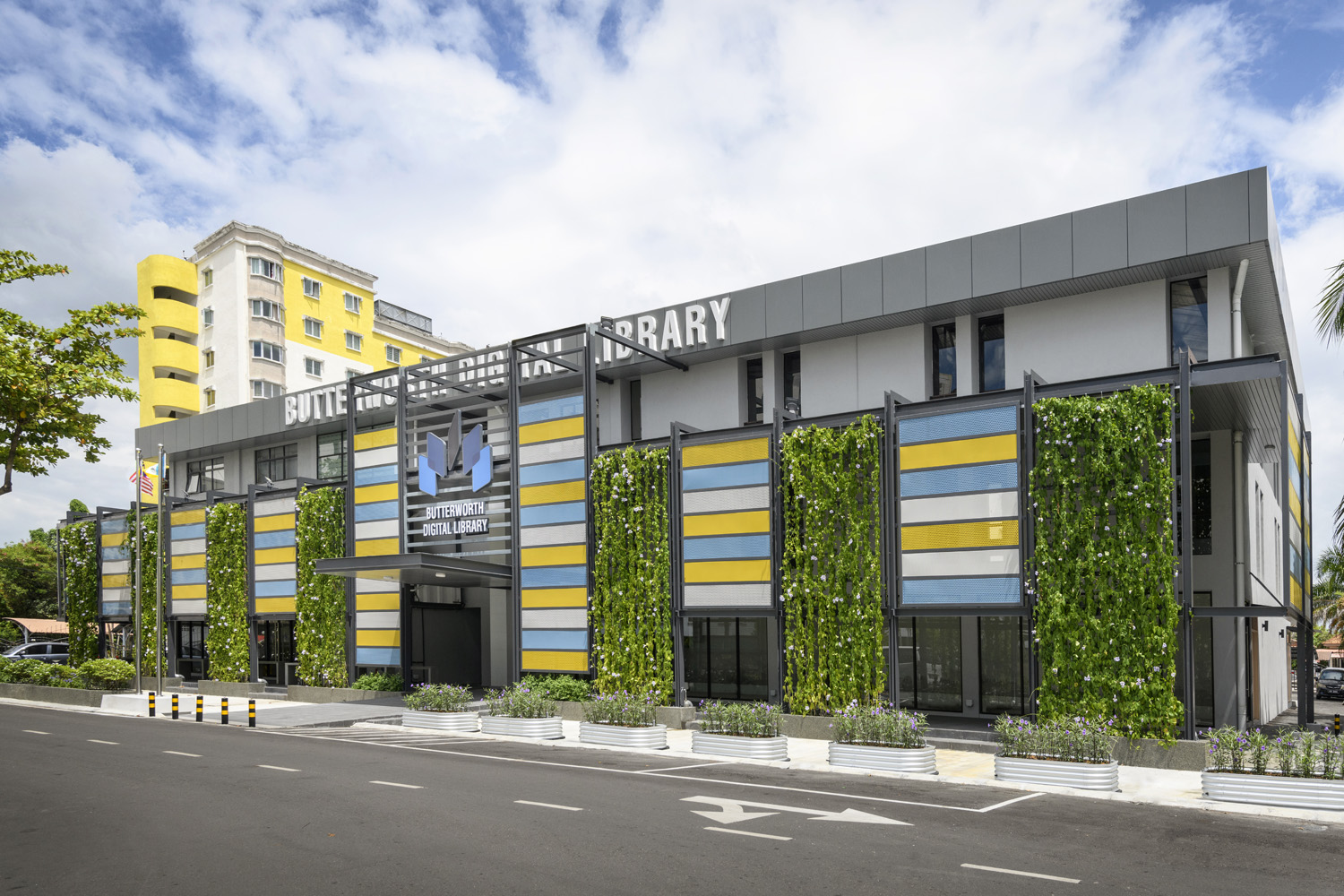 The Butterworth Digital Library, an adaptive reuse project, is equipped with state-of-the-art digital technology to serve communities within a five-kilometre