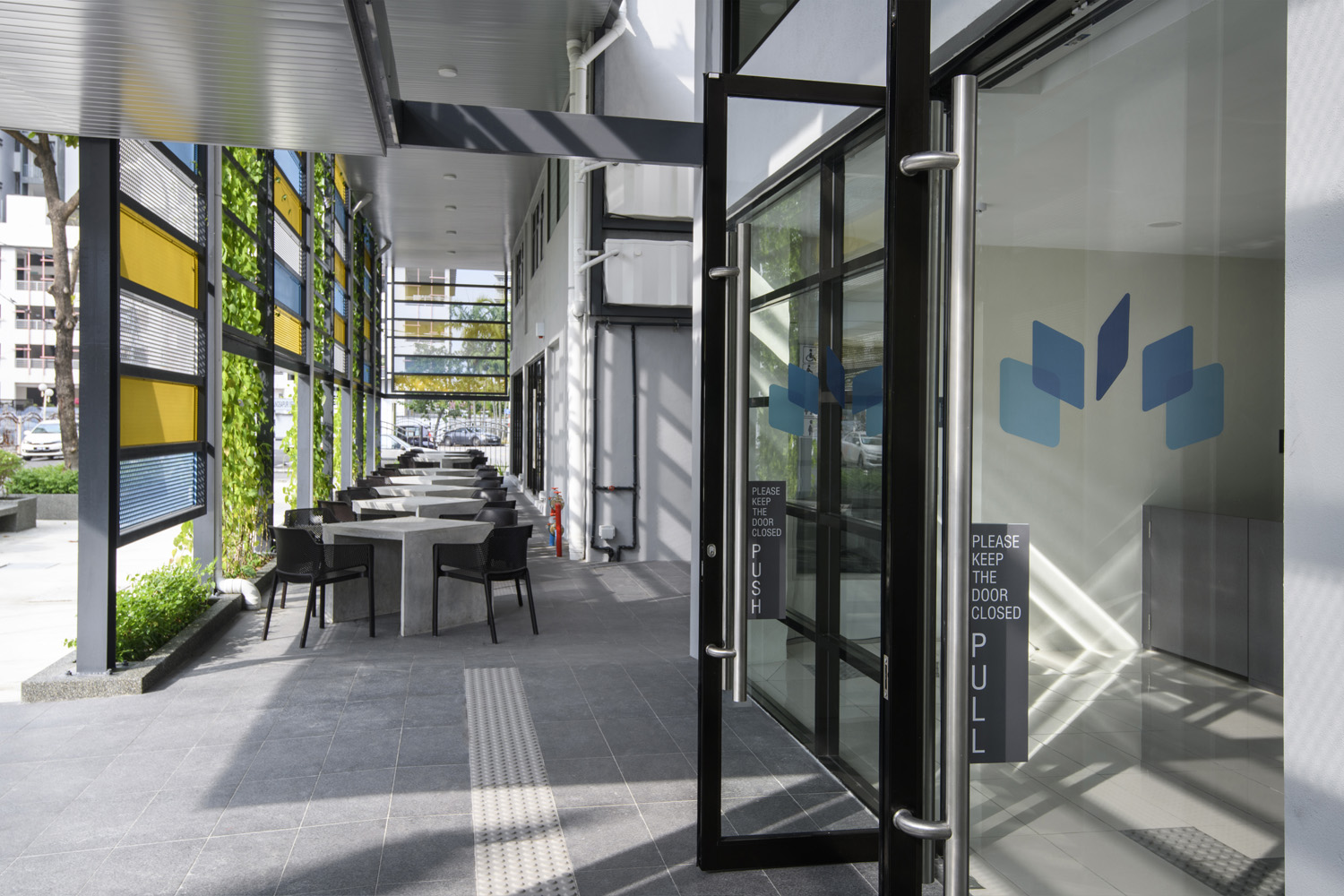 The space comprises multiple rooms for meetings and seminars as well as quiet spaces for reading and research